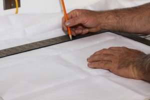 cutting-fabric-for-light-tent