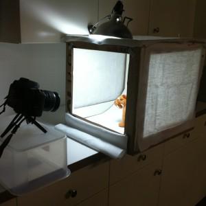light-tent-in-action - DIY Light Box - DIY Light Tent