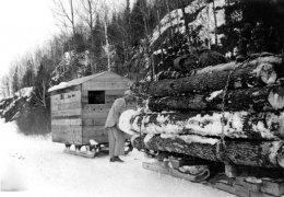 vintage-logging-winter-time-2.jpg