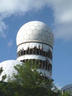 P1070958-The derelict Allied Listening Station at Teufelsburg.JPG