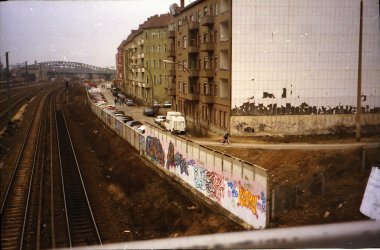 IMG_3W-The wall from Helmut Just Strasse-Norweg Strasse on right. Bornholmer Strasse in distance.jpg