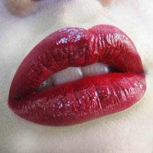 """""""That Red"""" <3  Makeup: - Lip Gloss - Chanel Rouge Allure Laque 75  www.facebook.com/fuwongarts Instagram @mameaoo"""