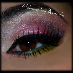Here I used the all of the eyeshadows from Glamour Doll Eyes Halloween set #1.