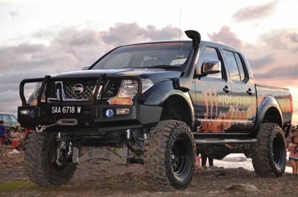 Navara monster trucker
