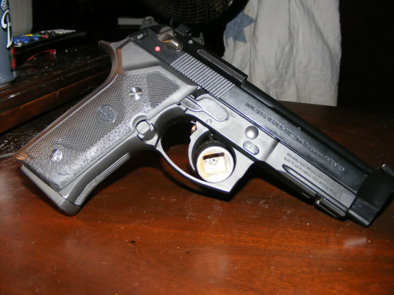 Beretta 92FS Vertec  Straight Grip angle and Rail Similar to a M9A1