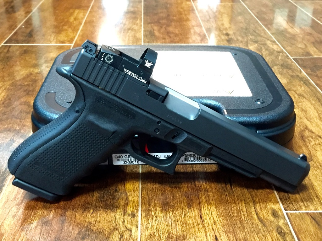 Glock G40 MOS 10MM Package Deal, Nice Build, Nearly New