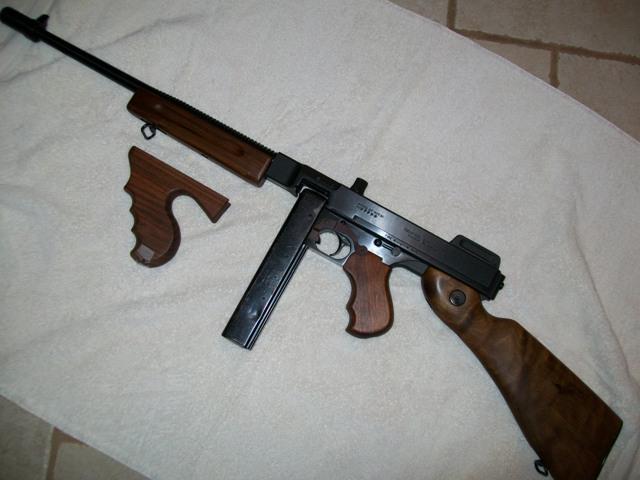 1928/1927A1 Deluxe Auto Ordnance Thompson 45 ACP Carbine