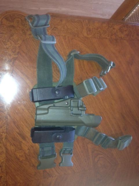 Blackhawk Serpa Magazine Holder Blackhawk Serpa leg holster 40 with mag holders etc 23