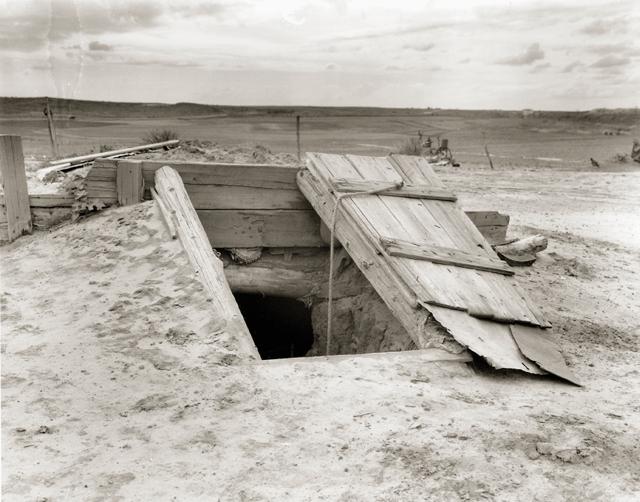 upload.wikimedia.org_wikipedia_commons_f_f1_Storm_cellar.jpg