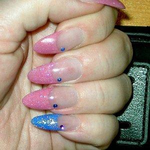 closeup pink and blue pinky!