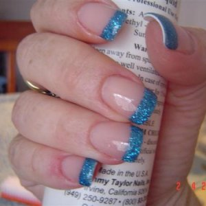 this is my 2nd time using glittler acrylic :) My right hand lol