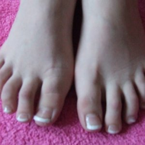 acrylic toes  my daughter nagged me for ages to do her toes ,its my first time doing acrylic on toes so i thought i would try ,i think they look ok just needing more pratice :-)
