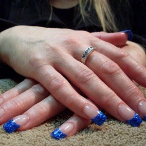 Young Nails Western Blue Glitter French.