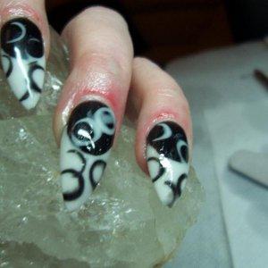nails 017