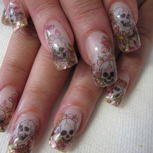 Ed Hardy Skull tatoo nails