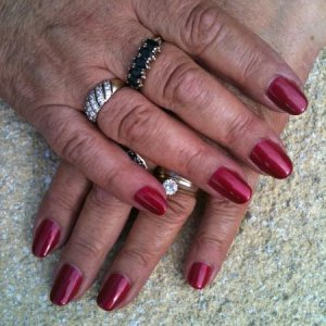 Shellac Red Barroness on Natural nails
