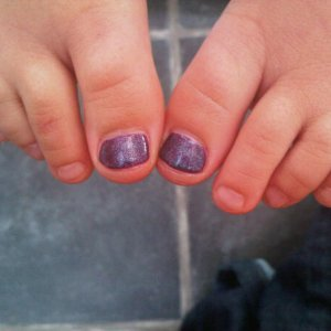Madi gelish toes !