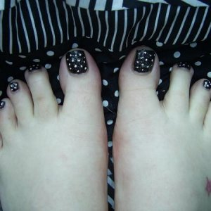 dotty toes