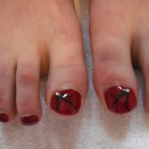 Toe Design with gem