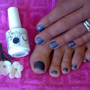 Gelish Fingers and toes 'Midnight Caller'