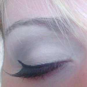 Night out makeup with Ardell corner lashes
