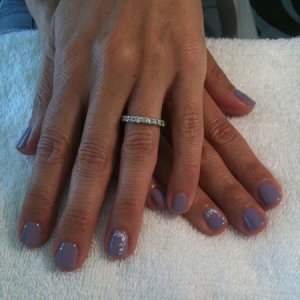 Gelish with flower