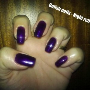 Gelish nails night reflection