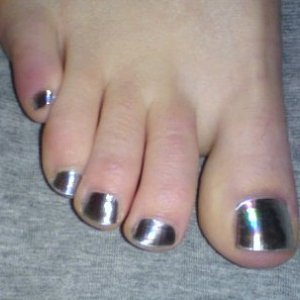 First set of Minx on my sister's chubby little toes!   I used Minxlusion and LOVE the effect!