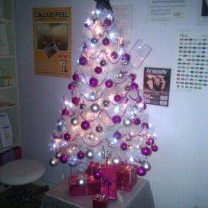 salontree3 - my xmas tree before redecorating