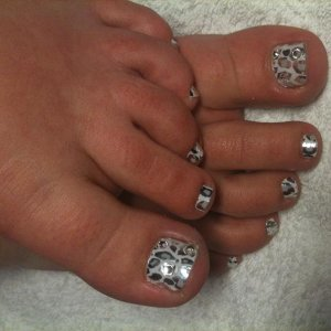 Snow Leopard Minx with Swarovski Crystals on Big Toes - My daughters toes for her 13th Birthday Party