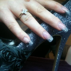 Nails to match her shoes!