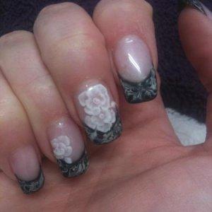 White 3D gel roses