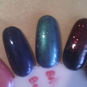 Shellac black pool + iced coral = gorgeous green!