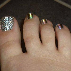 Minx Crystal pedi using 'minxillusion' Excuse my pinky toe, it cant keep minx on as it grows odd!