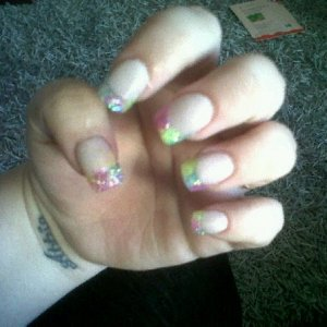 sculptured acrylics with neon yellow/pink/blue multi tips (sorry rubbish pic due to rubbish camera on phone grrrr)