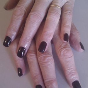 Shellac fedora on my oldest client (nearly 80!) She has lovely strong nails and her Shellac lasts perfectly for 3-4 weeks!