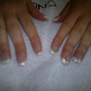 Put Brisa paint on white then glitter on free edge
