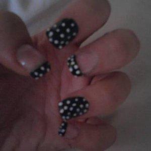 Black & White Polka Dot :D