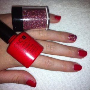 Hollywood red shellac