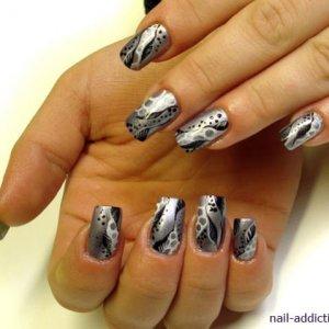 Silver&blackLeaves