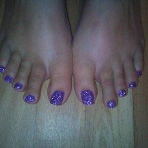 Rockstar toes using martha stewart glitter and shellac.