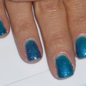 Luxio captive, ring finger with glitter