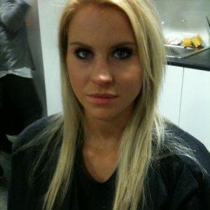 Vicky before photoshoot