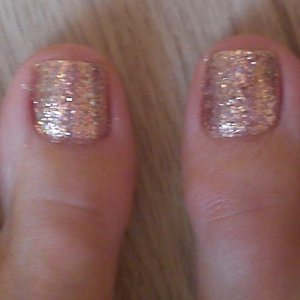 rose gold rock star toes