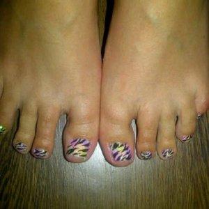 neon glitter zebra toes 2 *Robin Moses Inspired Design*