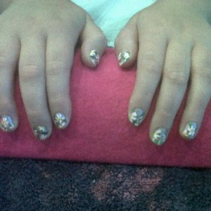 full pic of gold polish with cream flowers *Inspired by a Robin Moses Design*