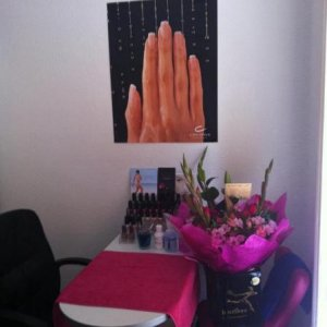 my nail table with the huge bunch of flowers my man bought me :)