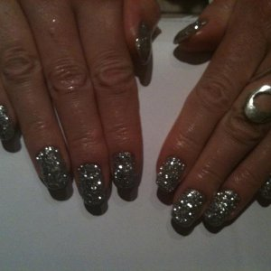 rockstar nails in silver