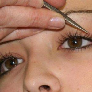 separating lashes