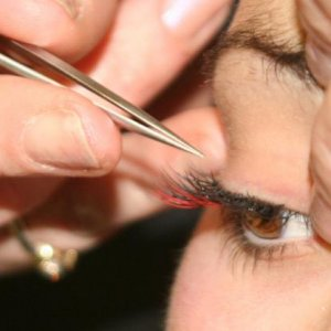 red lash application